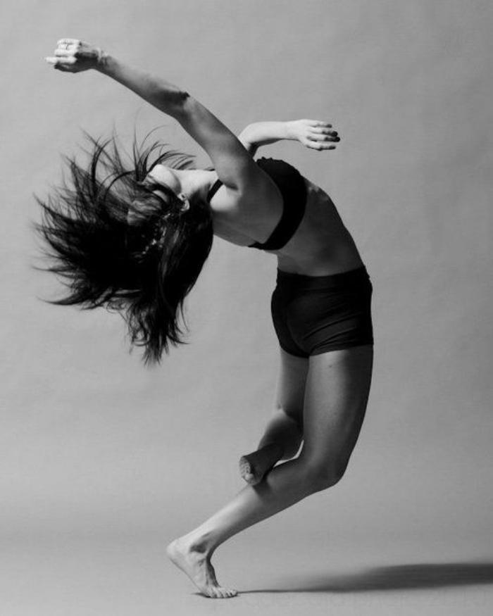danse-contemporaine-danseuse-contemporaine