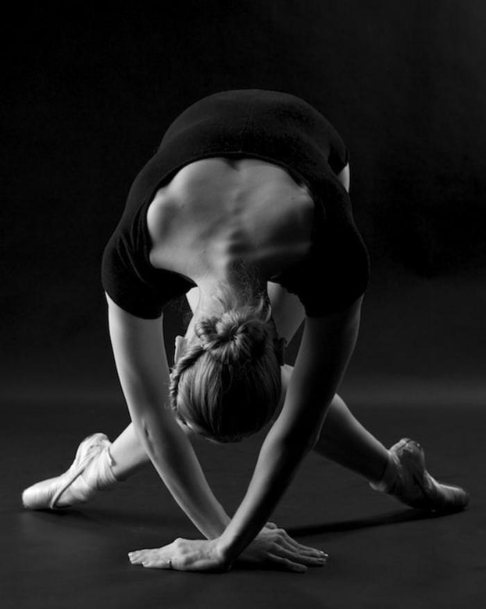 danse-contemporaine-posture-de-ballerine