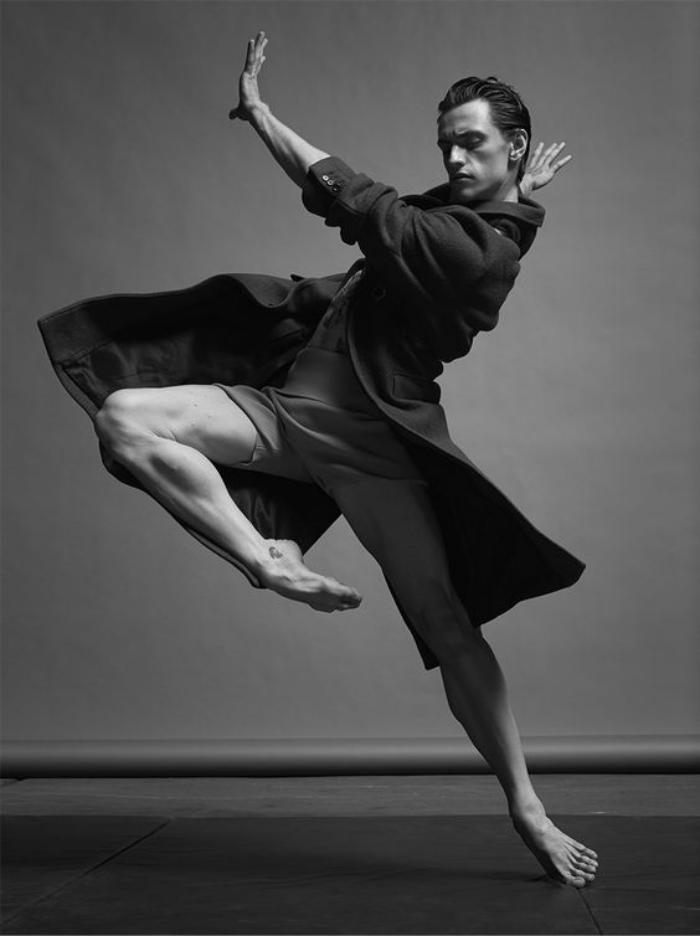 danse-contemporaine-posture-expressive