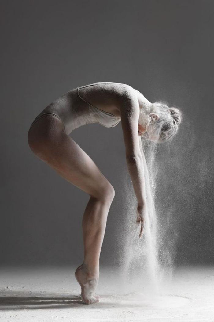 danse-contemporaine-série-danse-avec-farine