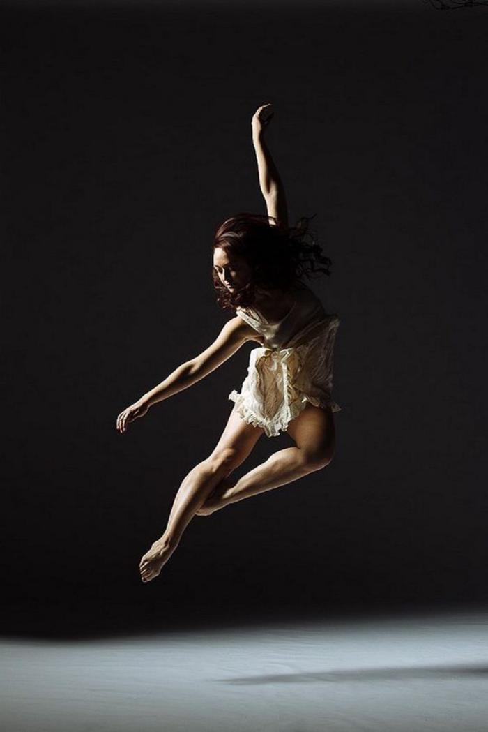 danse-contemporaine-tenue-sexy