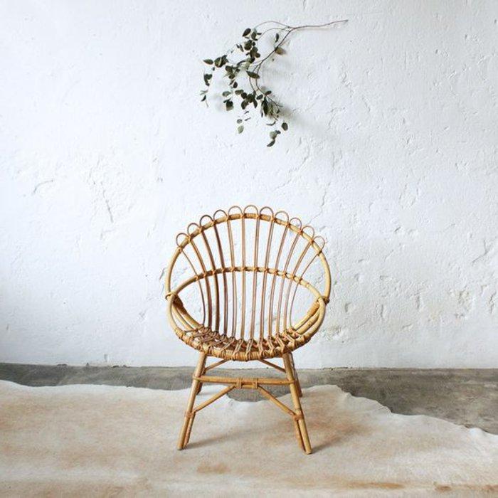 design-chouette-fauteuil-rotin-style-rustique-cool-idée-à-recreer-maison-stylée