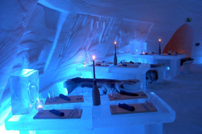 dormir-en-igloo-bar-de-glace-dans-un-igloo-géant