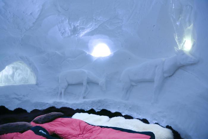 dormir-en-igloo-hébergement-hotel-de-glace
