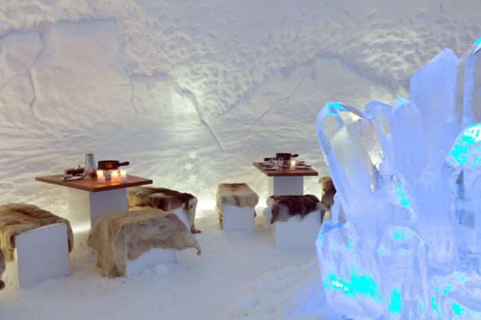 dormir-en-igloo-intérieur-de-bar-dans-la-glace