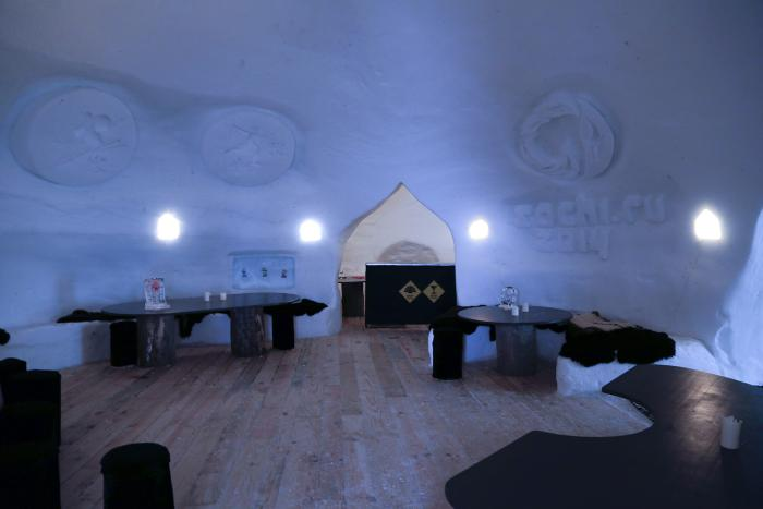 dormir-en-igloo-locations-dans-la-neige-hotels-igloo