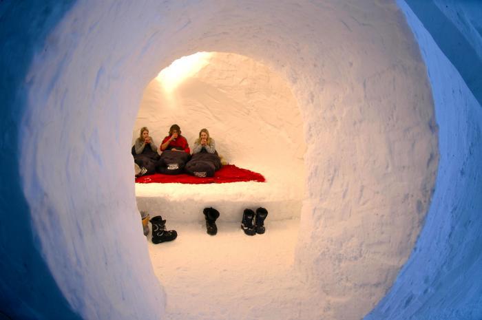 dormir-en-igloo-passer-une-nuit-dans-un-hotel-igloo