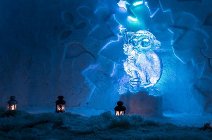 dormir-en-igloo-passer-une-nuit-en-igloo-sculpture-de-glace