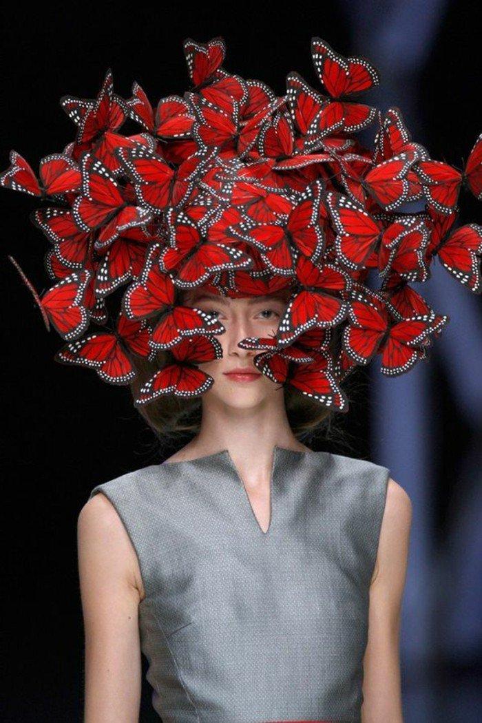excellente-chapeau-rouge-cool-idée-comment-accessoiriser-vos-tenues-papillones