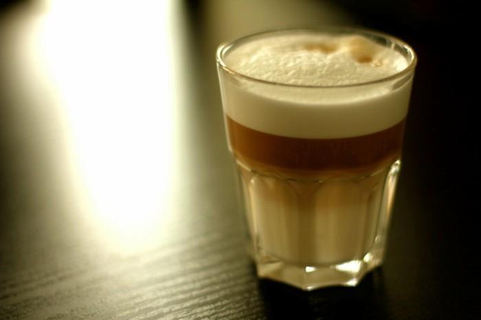 faire-un-cappuccino-cool-idée-café-chouette-boisson-chaude-boisson
