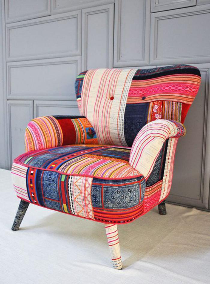 fauteuil-patchwork-couleurs-douces