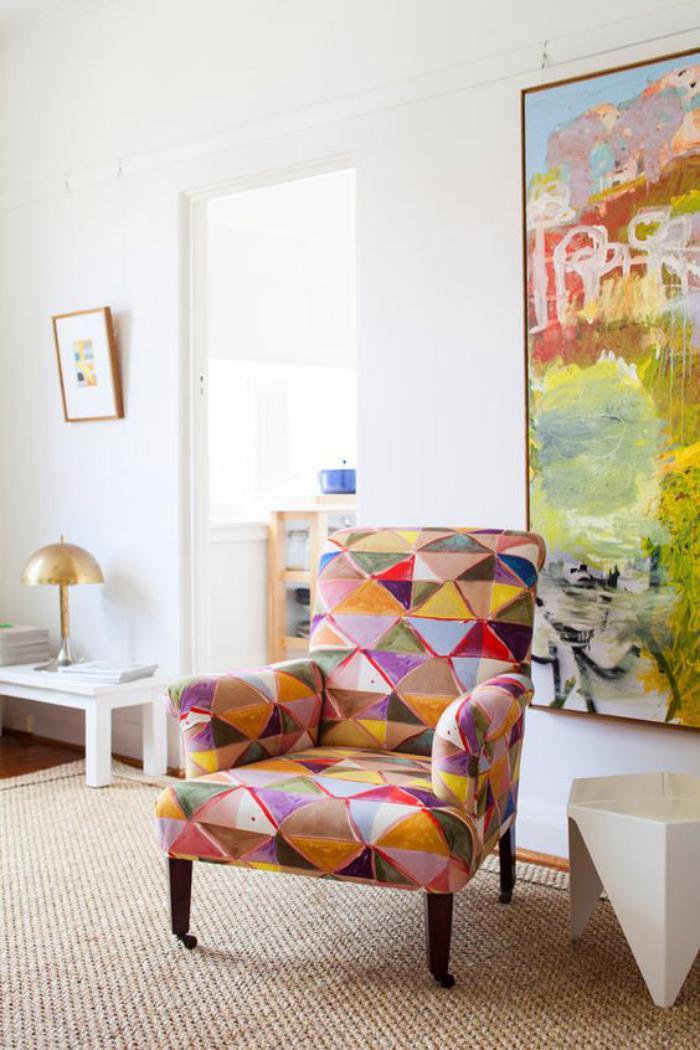 fauteuil-patchwork-textiles-en-gamme-pastel