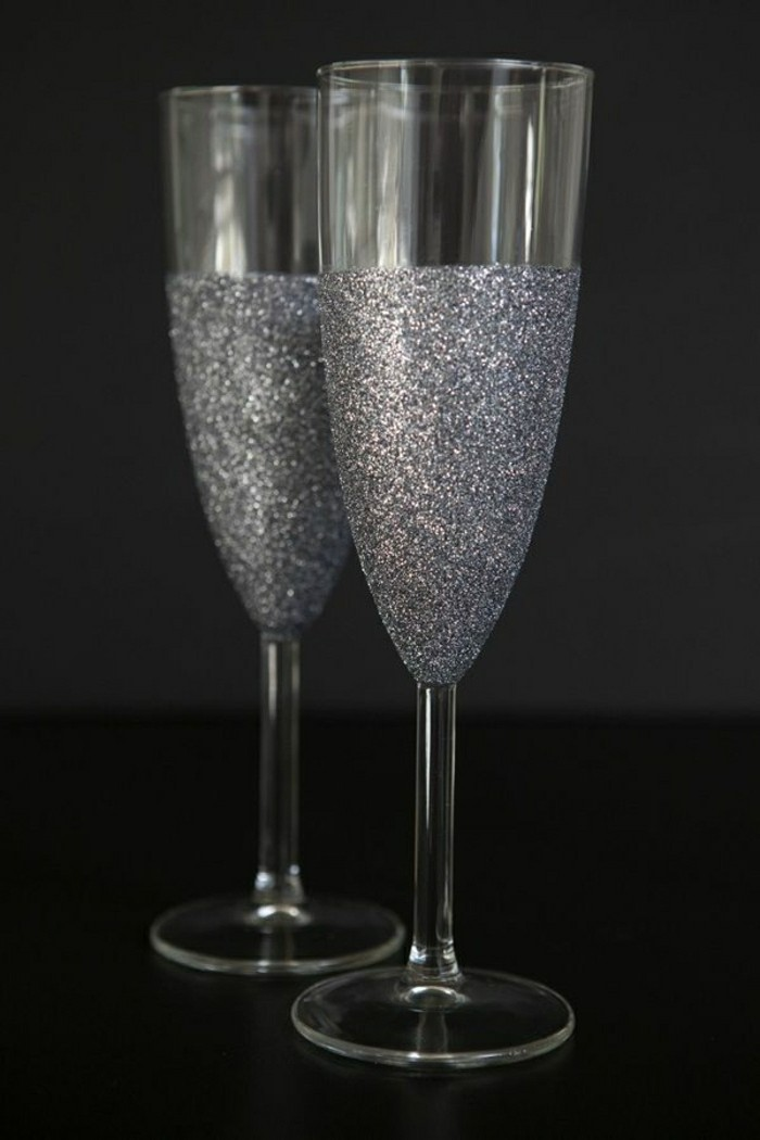 flute-de-champagne-champagne-de-luxe-atmosphere-romantique-argentée