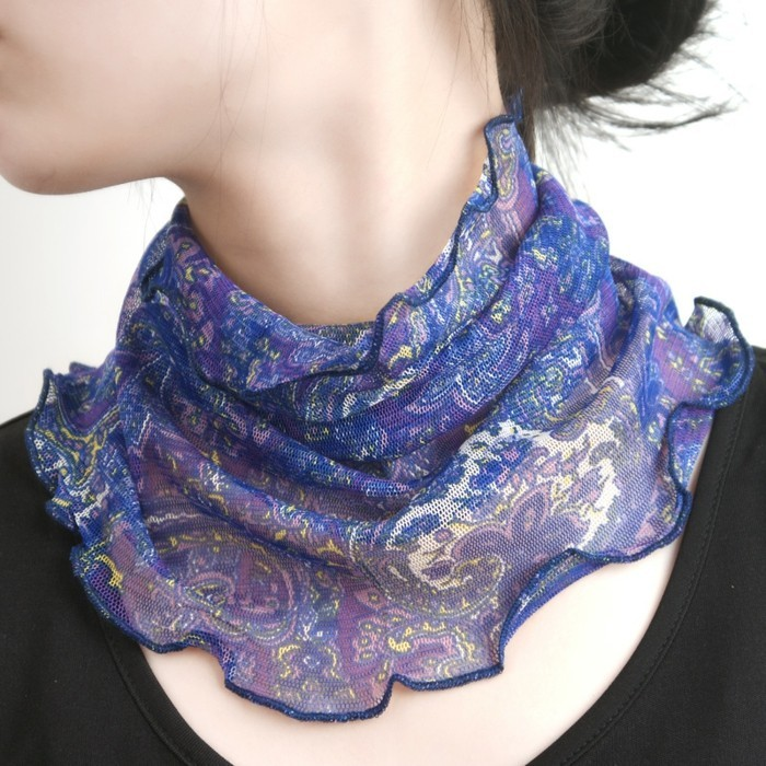foulard-longchamp-collier-bleu-resized