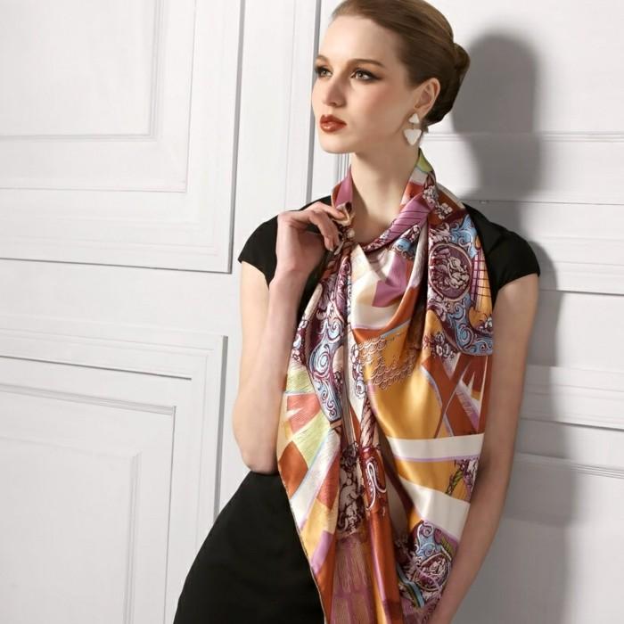 foulard-longchamp-etole-dame-resized