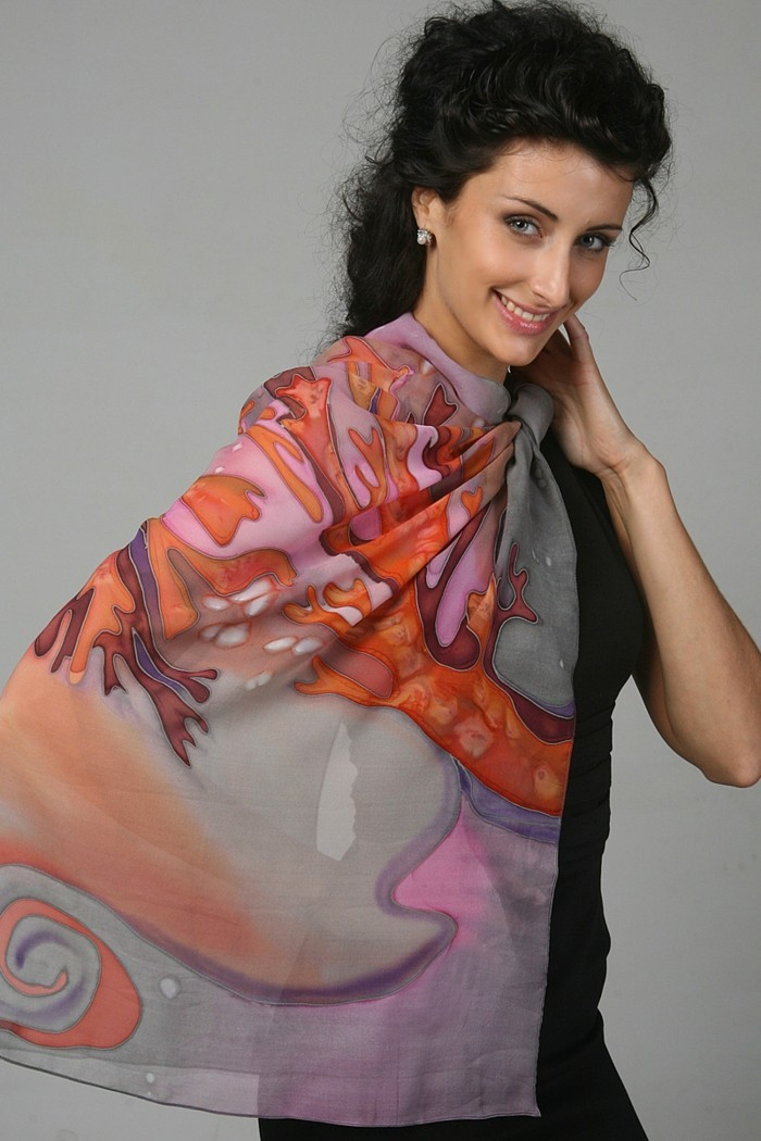 foulard-longchamp-peint-a-la-main-resized