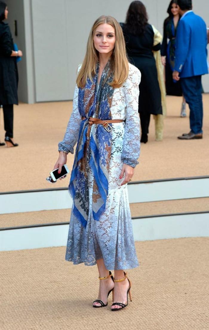 foulards-en-soie-robe-bleue-resized