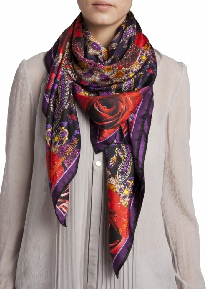 foulards-en-soie-roses-resized