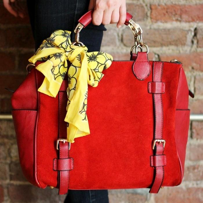 foulards-en-soie-sac-rouge-jaune-resized