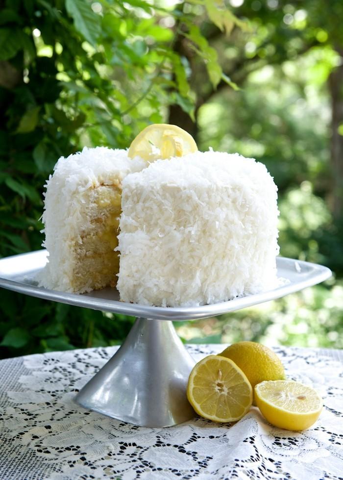 gâteau-d-anniversaire-a-l-citron-gateau-d-anniversaire-personnalisé-à-faire-citron