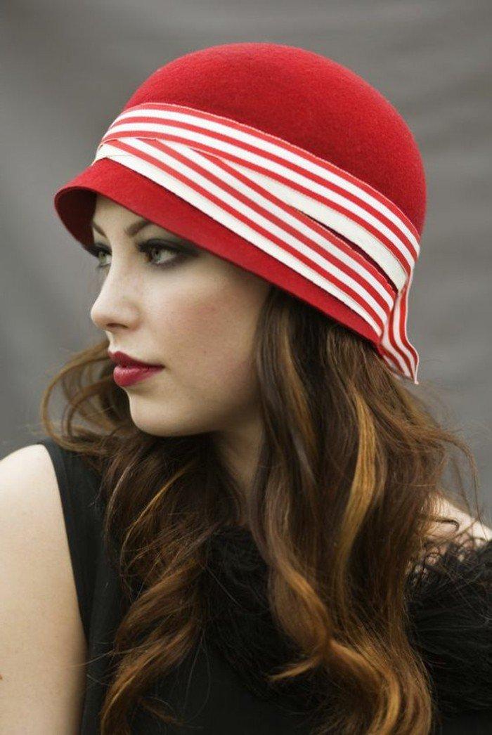 grand-chapeau-femme-idée-les-accessoires-à-porter-cool-idée-modele