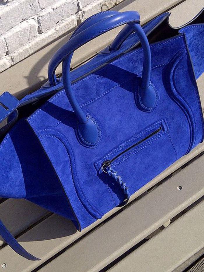grand-sac-à-main-un-sac-fantastique-en-couleur-bleue