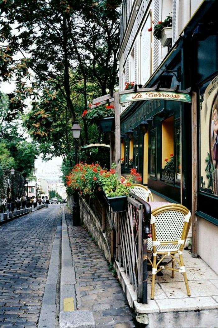guide-du-routard-paris-les-petits-rues-parisiens-table-d-exterieur-a-paris-rue
