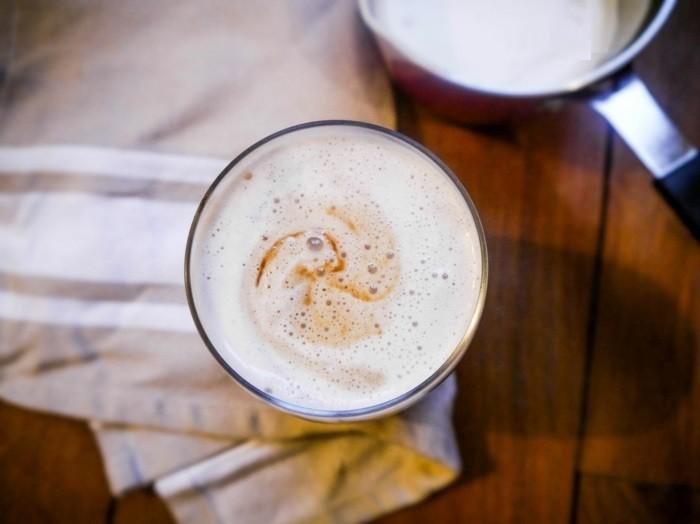 idée-comment-faire-un-cappuccino-diy-à-la-maison-chez-soi-voir-le-lait