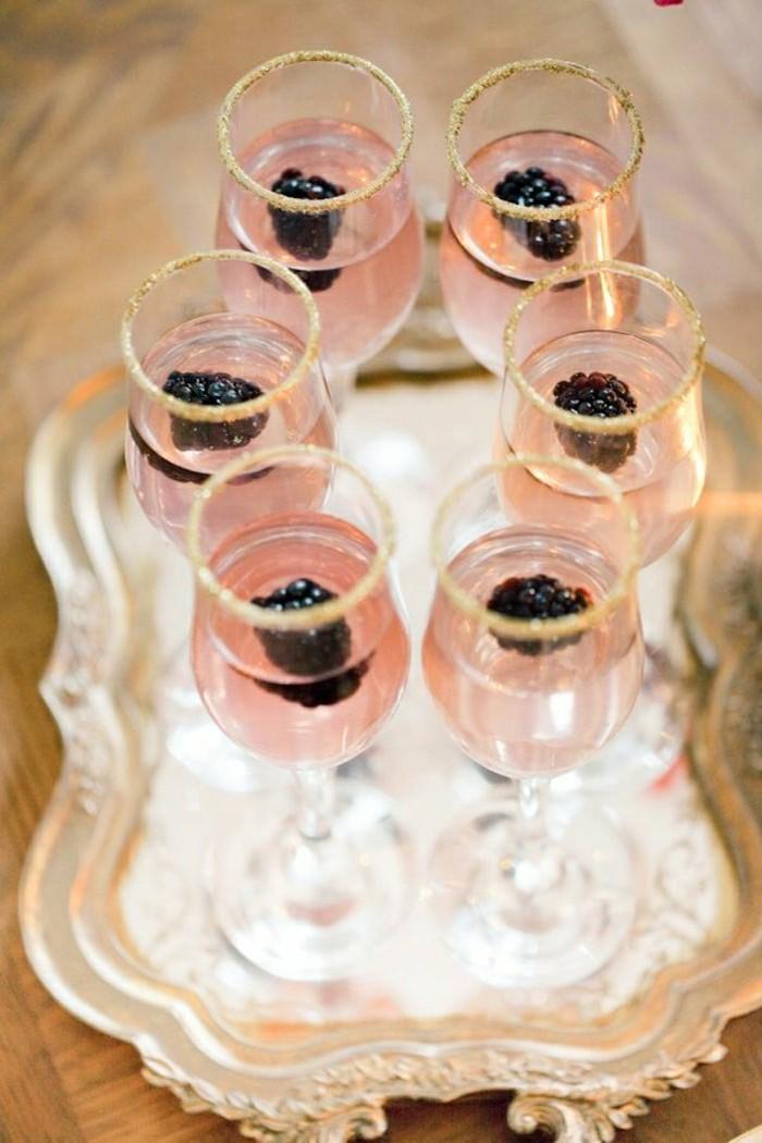 idée-diy-verres-champagne-flute-champagne-personnalisé-berries