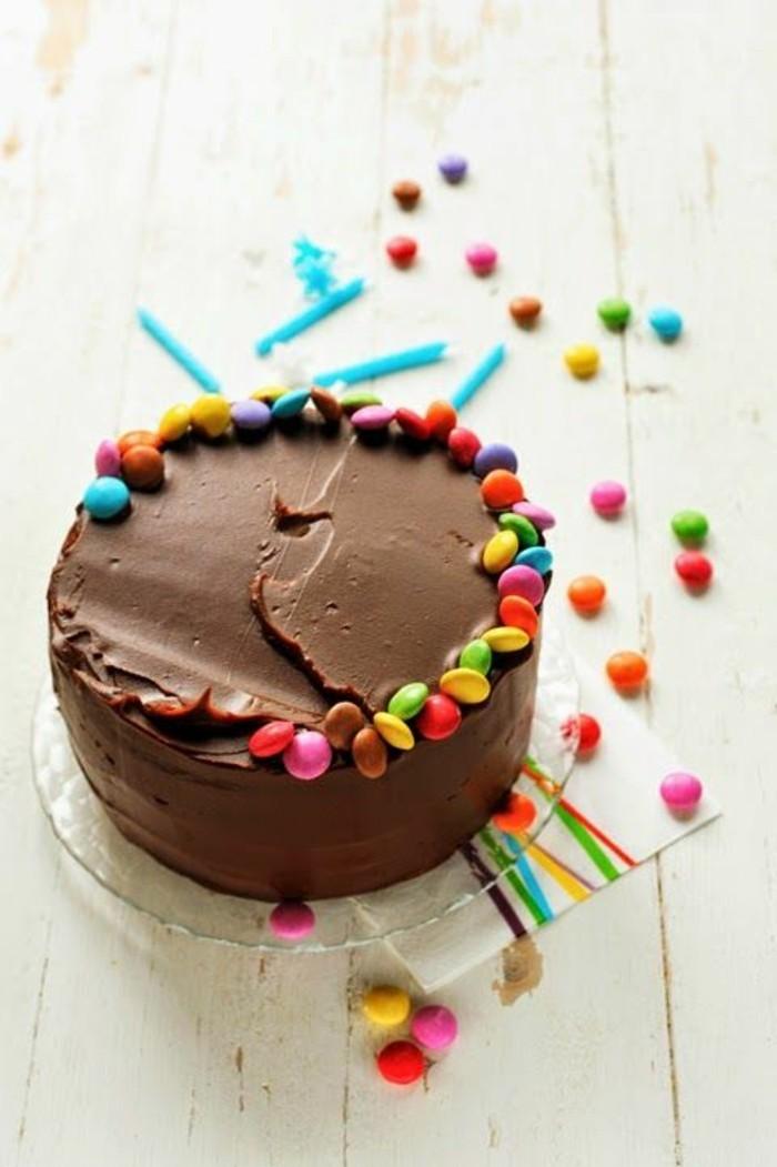 idée-gateaux-anniversaire-gateau-anniversaire-personnalisé-prendre-un-peu