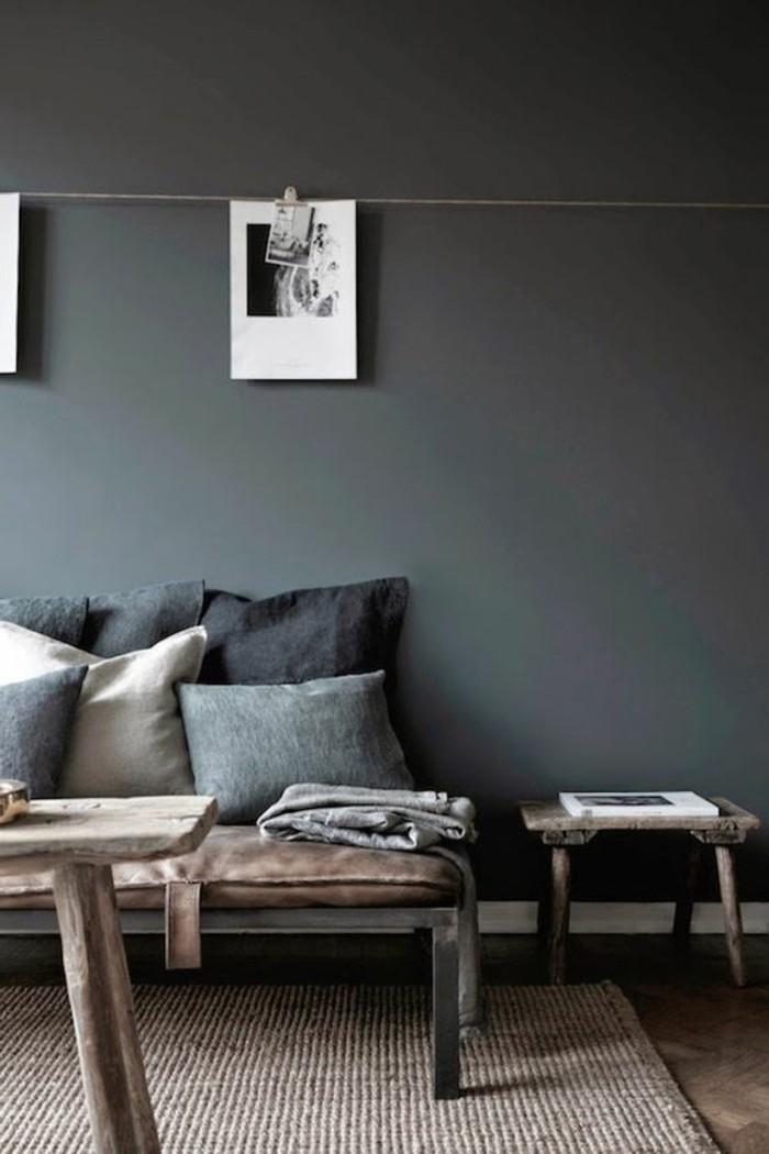 idée-peinture-salon-murs-gris-tapis-en-rotin-meubles-chic-murs-gris