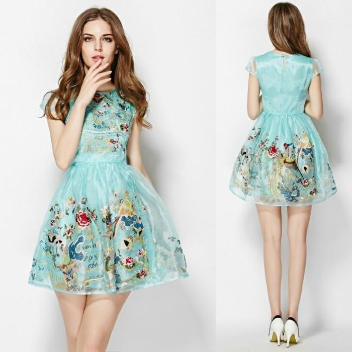 idée-vert-bleu-robe-fleurie-la-robe-pour-mariage-robe-de-mariee-stylée-femme-mariée-et-amie