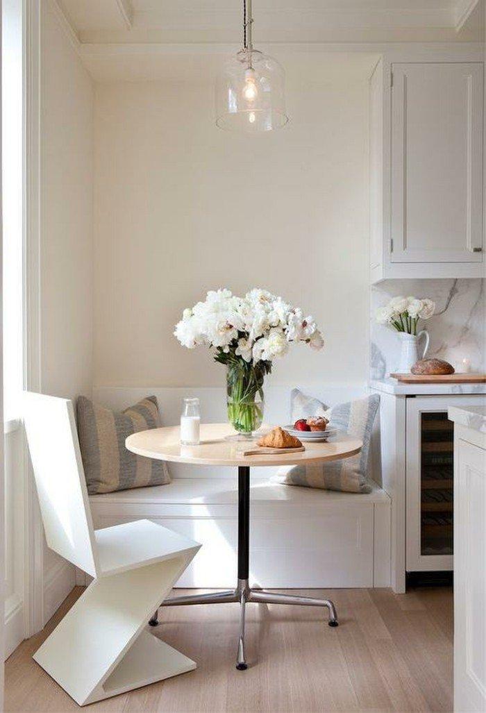 idee-table-ronde-extensible-meuble-salle-a-manger-cool-idée-intérieur-vase-avec-fleurs