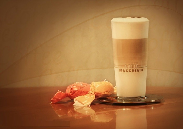 inspiration-café-macchiato-bonne-idée-pour-boire-de-bon-café-ambiance-la-photo-professionnel