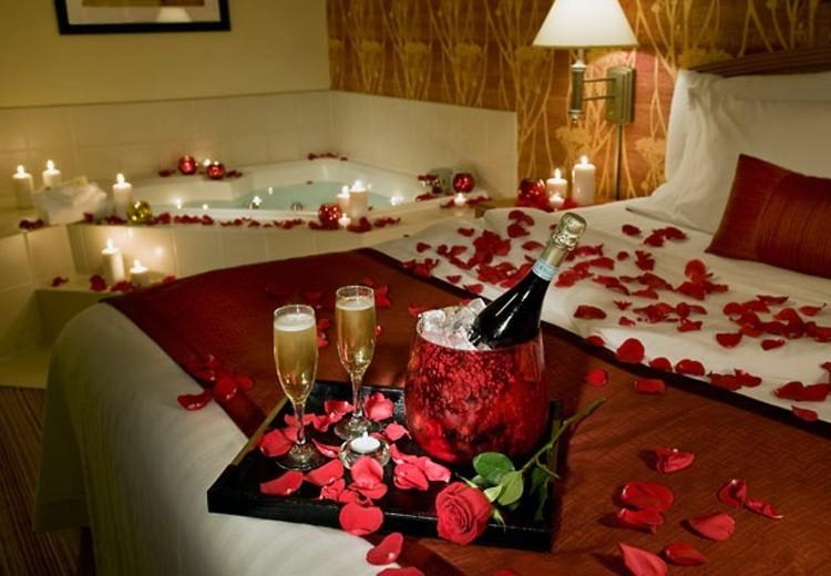 La meilleure soir e sp ciale avec un beau verre for Chambre couple romantique