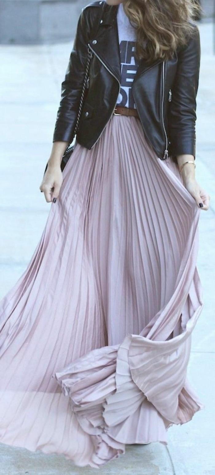 joli-jupe-longue-plissée-rose-pale-tendances-de-la-mode-jupe-longue-rose-pale