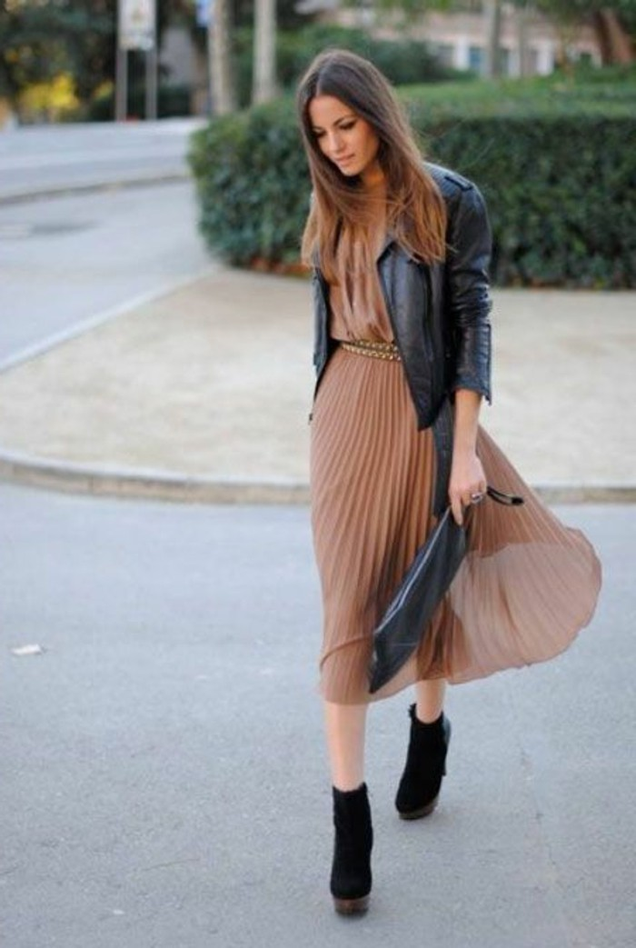 jupe-de-couleur-marron-femme-mode-2016-jupe-longue-plissée-marron-beige