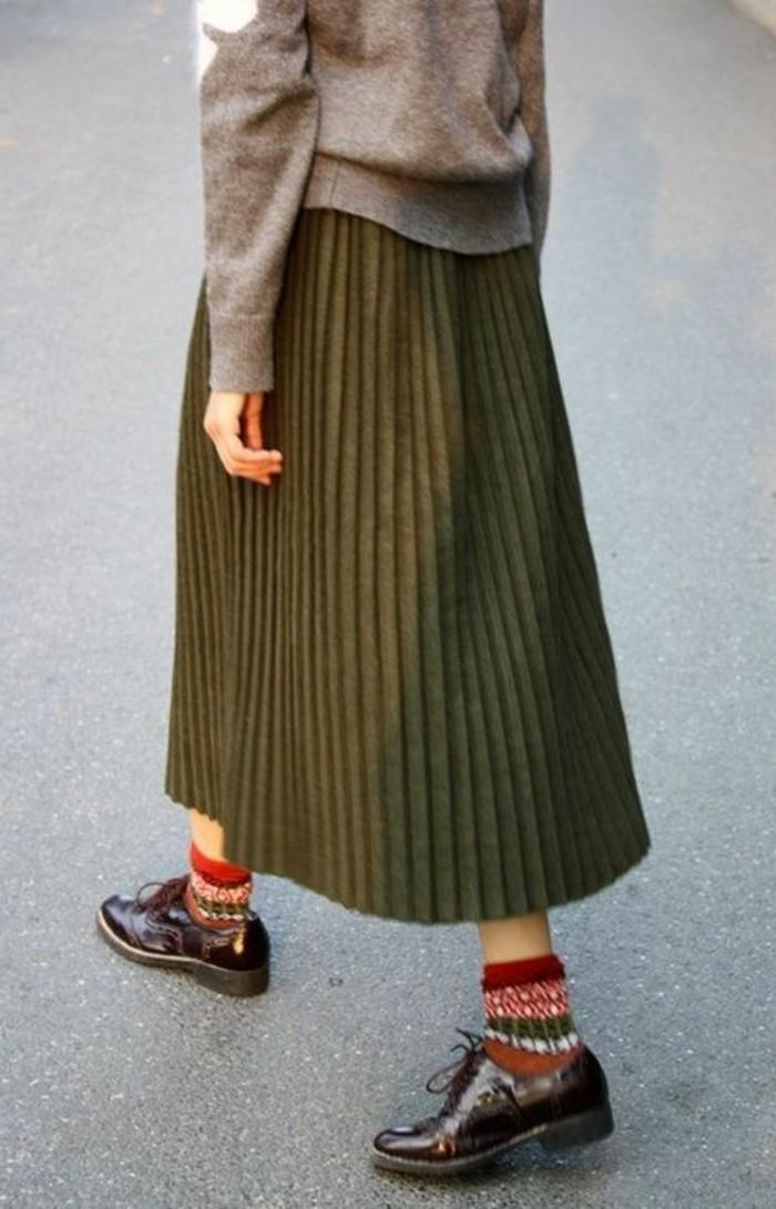 jupe-longue-plissée-vert-foncé-pour-les-filles-chic-vetements-modernes-pour-les-filles-chic