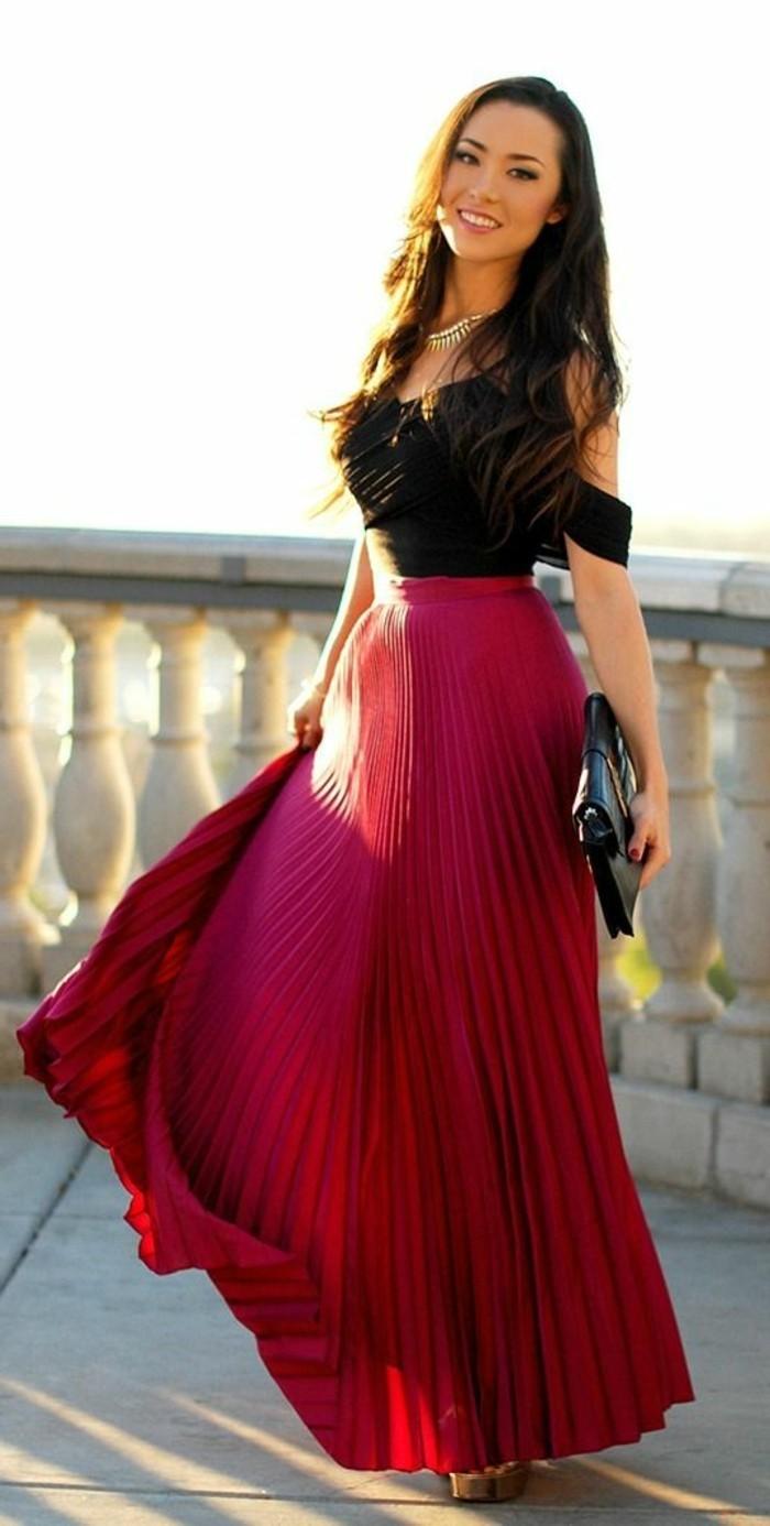jupe-plissée-rouge-femme-moderne-tendances-de-la-mode-2016