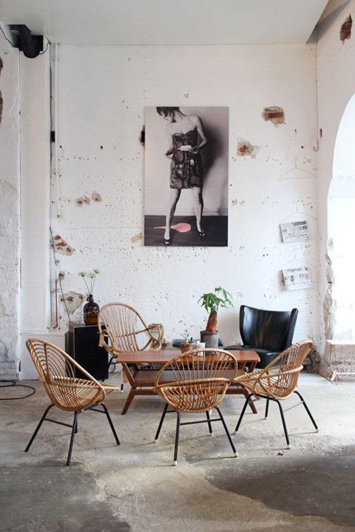 l-intérieur-design-fauteuil-rotin-vintage-cool-idée-aménagement-salon-l-amenager-bien