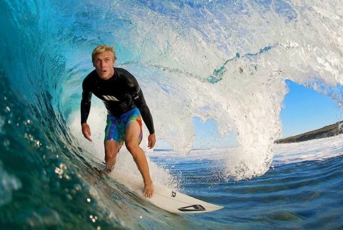 la-combinaison-intégrale-combinaison-de-surf-femme-vue-magnifique-idée-combinaison-surf-quiksilver