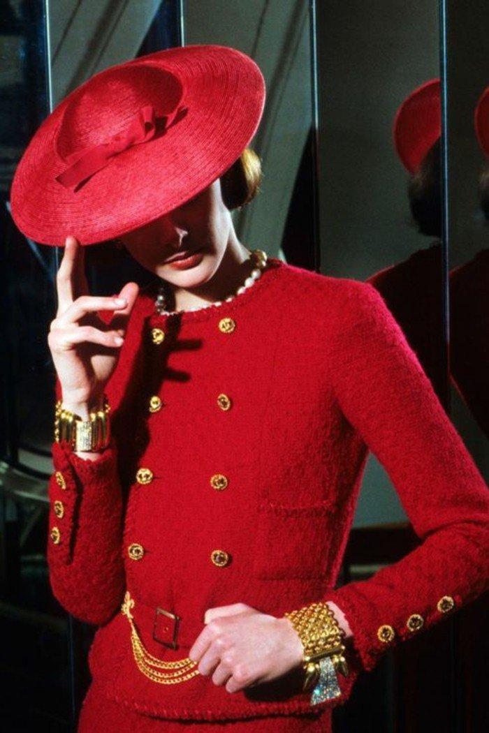 le-bob-chapeau-couleur-bordeau-tenue-à-porter-avec-acessoires