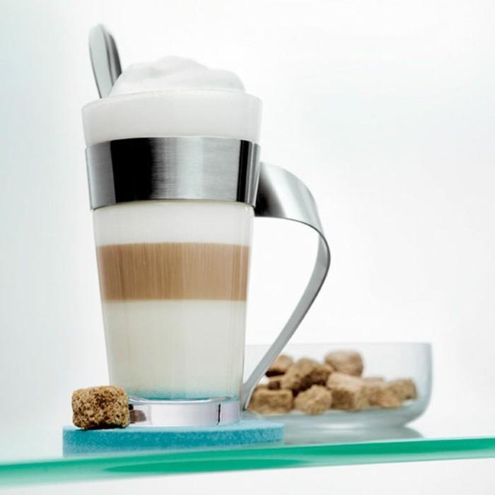 le-caffe-macchiato-nouvelle-boisson-le-café-au-lait-inspiration-beau