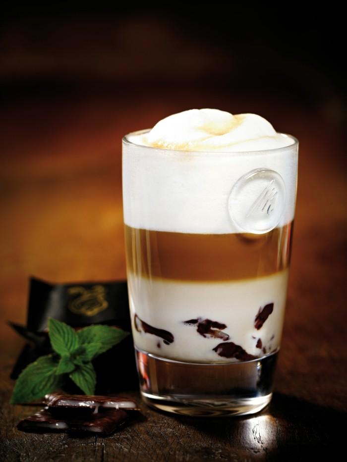 le-caffe-macchiato-nouvelle-boisson-le-café-au-lait-inspiration-menthe