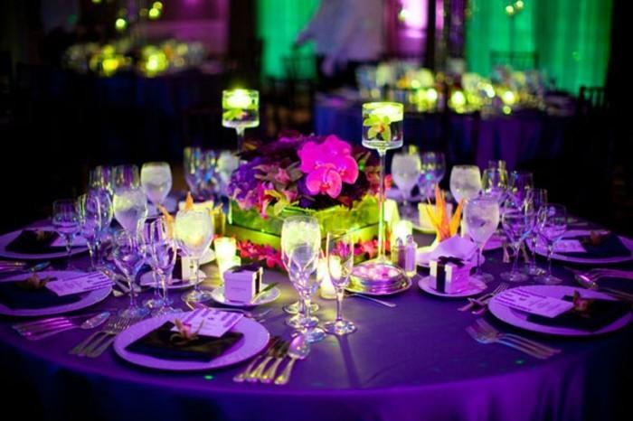 les-coupes-à-champagne-décoré-originalement-cadeau-table-mariage-violet