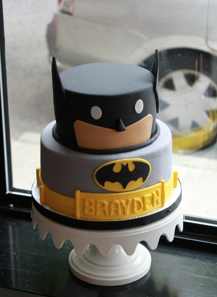 les-images-gâteau-anniversaire-gateau-anniversaire-garcon-cool-cool-batman-gateau