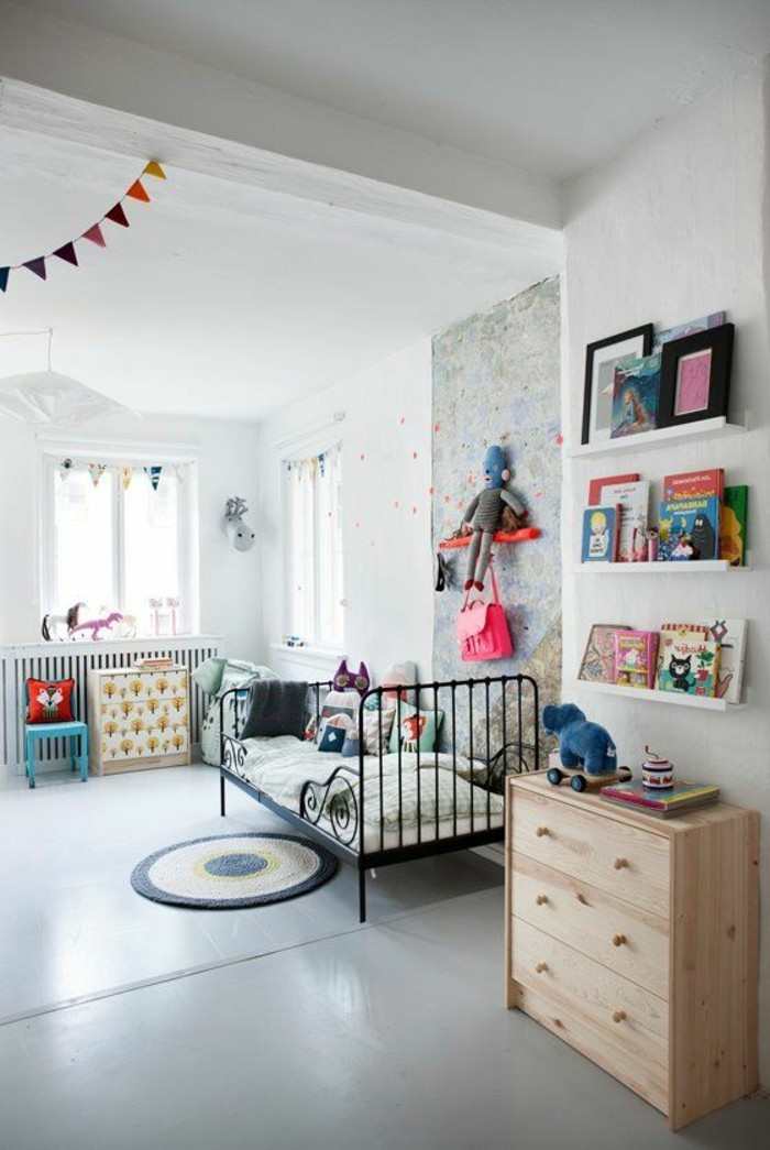 lit-enfant-en-fer-forgé-nuancier-peinture-leroy-merlin-sol-en-lino-gris-chambre-enfant-chic
