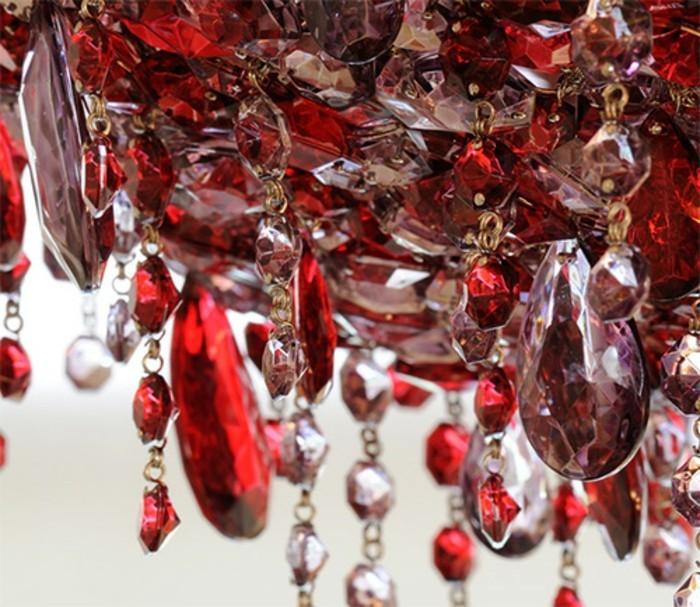 lustre-Swarovski-etincelles-rouges-et-blanches