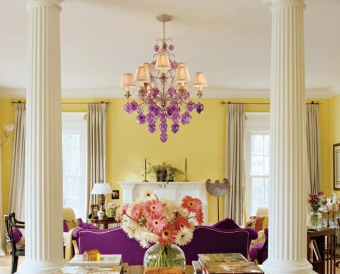 lustre-a-pampilles-venitien-prune-baroque-chambre-jaune