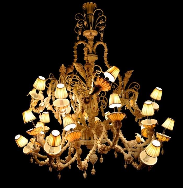 lustres-anciens-multiples-lampadaires